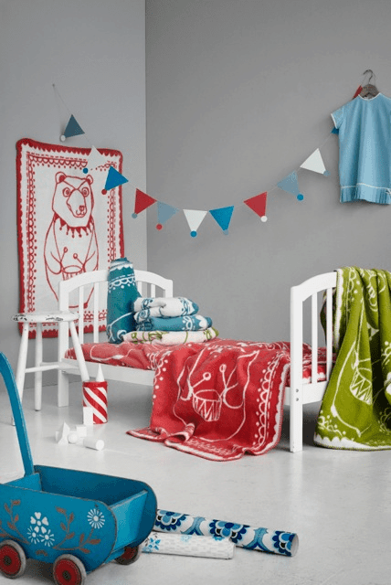 Retro mood inspired colors – Circus Bear blankets by Fabulous Goose