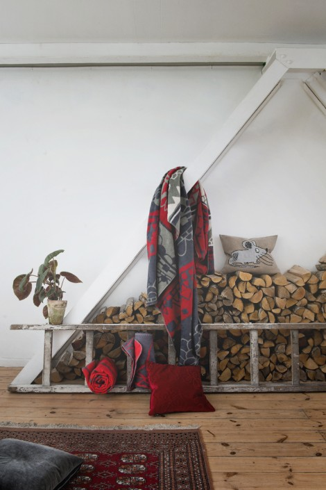 big Landscape blanket in organic brushed cotton by FabGoose colors olive green, dark red, grey