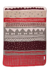 beutiful baby blanket in soft and safe organic cotton in greens and reds colors from the forest