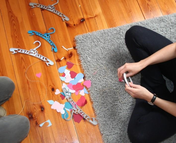 DIY mobil with hookie hangers 1