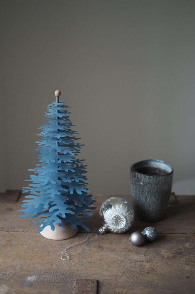 grey blue Christmas tree decoration DIY