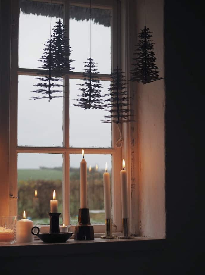 christmas window decorations ideas scandinavian style. Black Bedroom Furniture Sets. Home Design Ideas