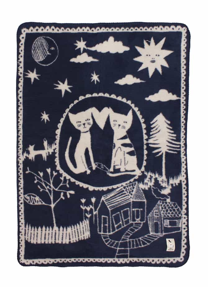 Love Story unisex baby blanket with cats navy blue beige color combination in soft organic cotton